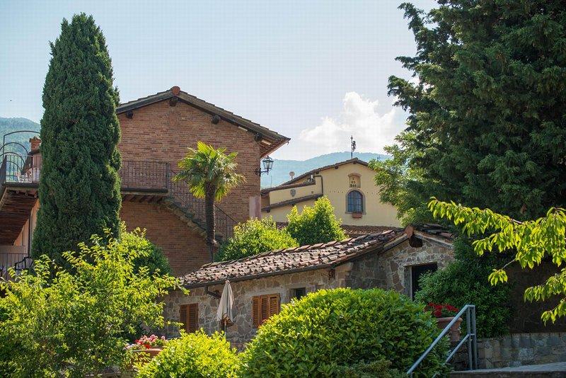 Chianti view lodging 2,air conditioning,swimming pool, tennis court, restaurant, alquiler vacacional en San Donato Fronzano