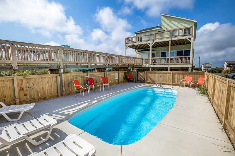 Derrycon | Oceanfront | Dog Friendly, Private Pool, Hot Tub | Nags Head, holiday rental in Wanchese