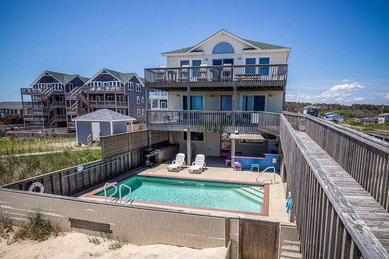 Carolinian II | Oceanfront | Dog Friendly, Private Pool, Hot Tub | Nags Head, location de vacances à Nags Head