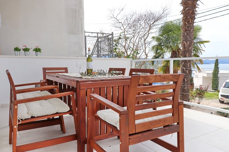 Rosemary - Three Bedroom Holiday Home with Terrace and Partial Sea View, vacation rental in Komarna