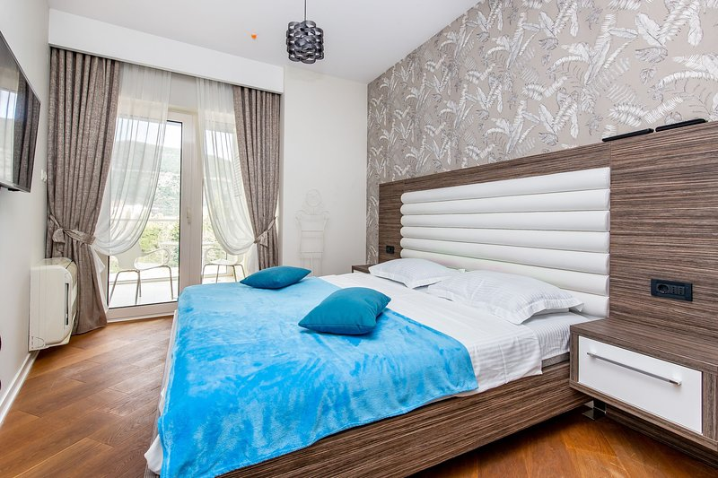 Luxury Apartments Artiani - One Bedroom Apartment with Sea View 47, vacation rental in Budva