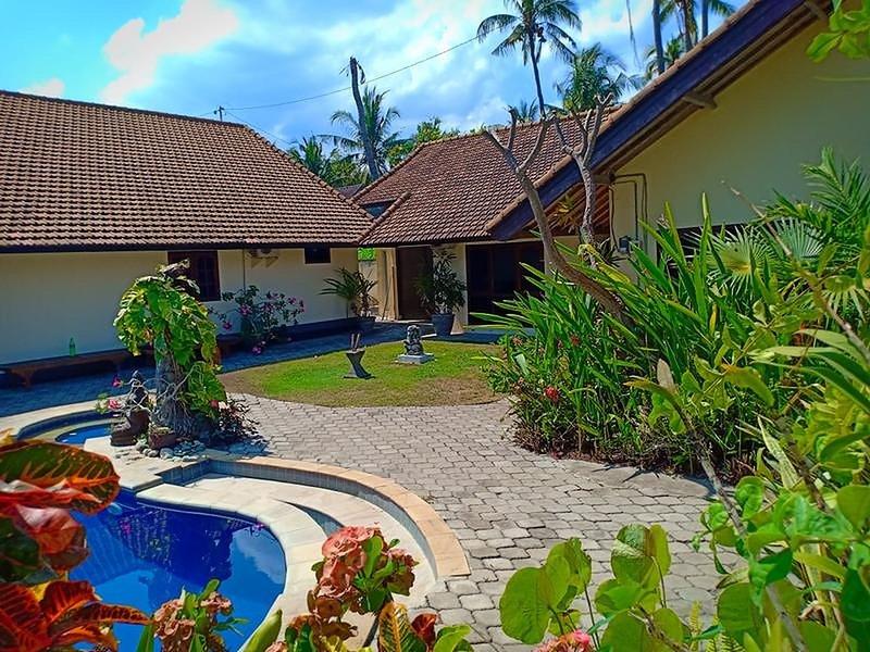 Beach front Villa Ganesha Located Banjar Beach North Bali Bhv, casa vacanza a Banjar