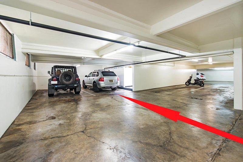 PARCHEGGIO: posto auto coperto GRATUITO nel seminterrato dell'edificio.