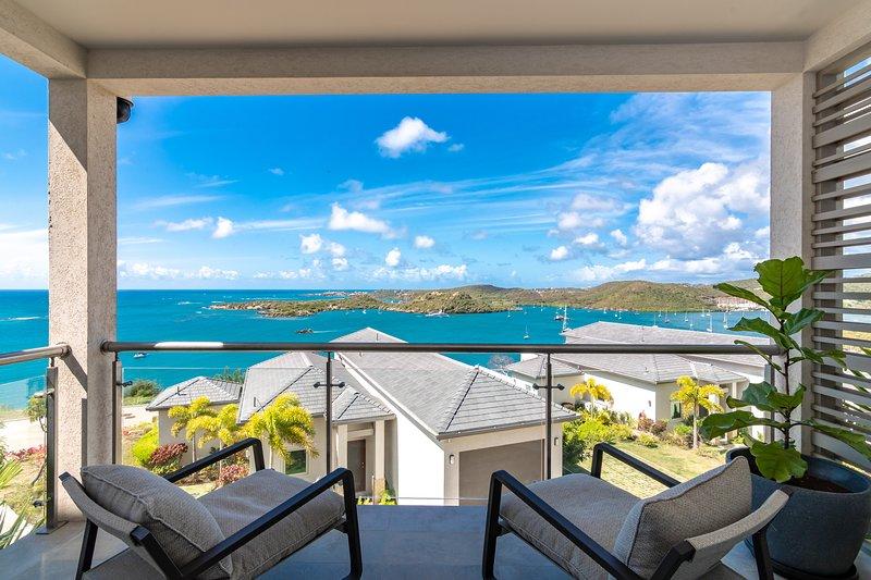 Jade Suite Ocean View, Secluded Beach, Pool, Gym, Gated Community, Secure, vacation rental in St. George's