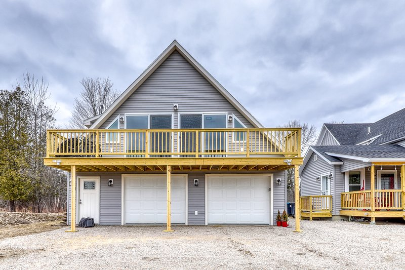 New listing! Orchard condo with deck, WiFi, full kitchen, and mountain views!, holiday rental in Sugar Hill