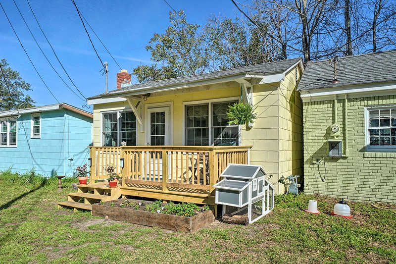 This charming Wilmington home offers 1-bed, 1-bath, and plenty of character!