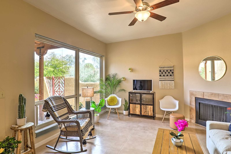 NEW! Tucson Townhome w/ Patio < 12 Mi to Downtown!, holiday rental in Catalina Foothills