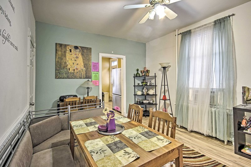 This vacation rental home is conveniently located near the National Mall!