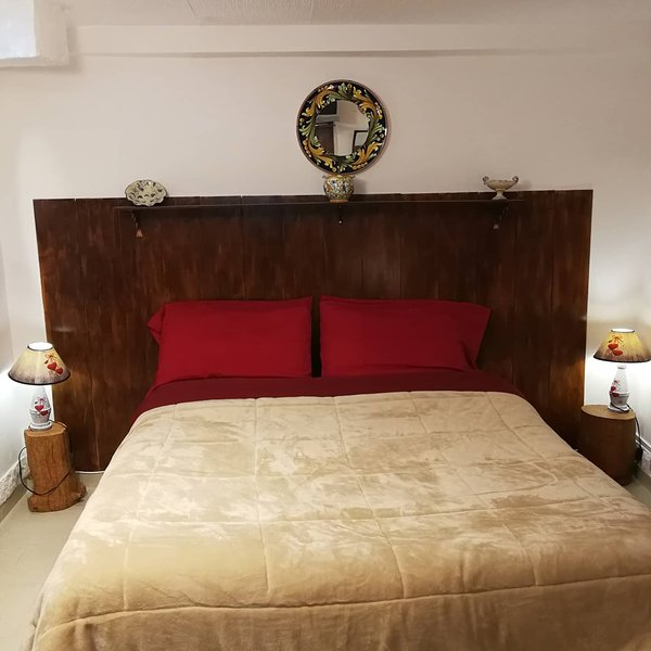 Beautiful studio with balcony, vacation rental in Caltagirone