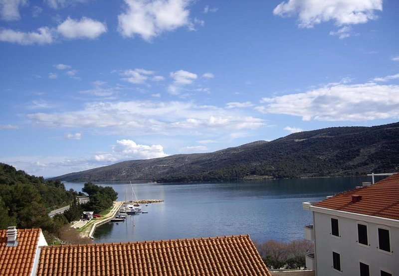 Per - 80 m from beach: A6(2+1) - Marina, vacation rental in Marina