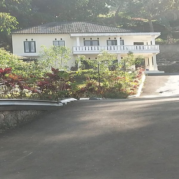 Villa Griya Wira Karya ( Karin ), holiday rental in Cipanas