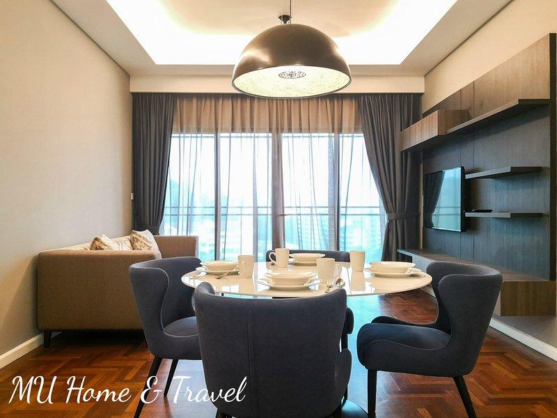 MU Vista - 360 Skypool Superior Suite, holiday rental in Janda Baik