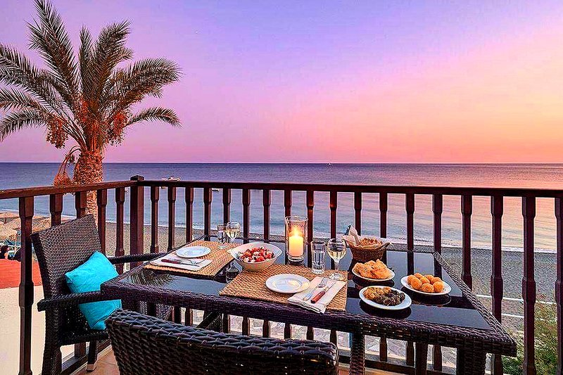 Myrtos Mare Suites - Beach Front Maisonette, holiday rental in Tertsa