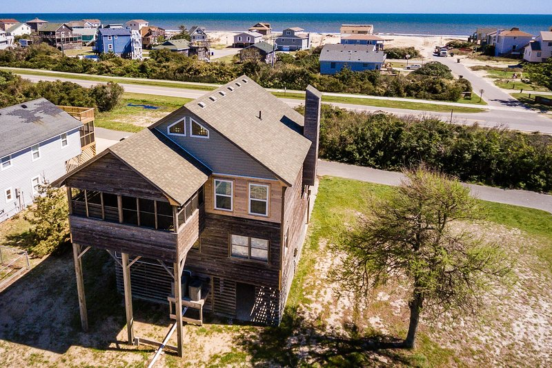 Morning Star | 880 ft from the beach | Dog Friendly, Hot Tub | Nags Head, holiday rental in Wanchese