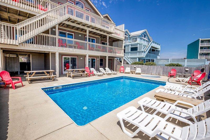 The Lodge | Oceanfront | Private Pool, Hot Tub | Nags Head, location de vacances à Nags Head