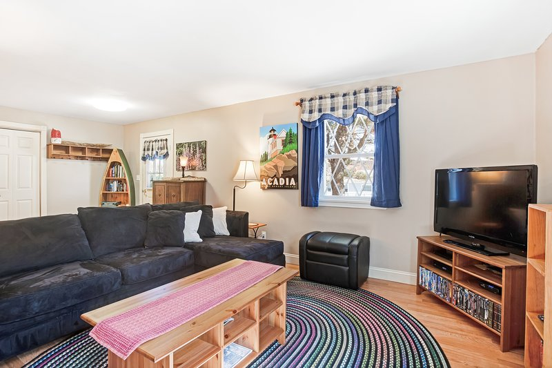 Dog-friendly home w/ yard, wood stove, & great location close to the ocean, holiday rental in Seal Cove