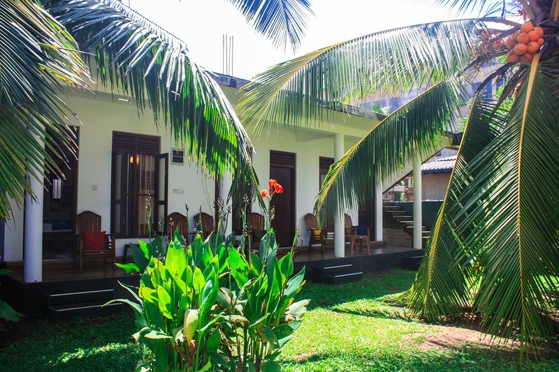 Neverbeen to Hasaranga's Holiday House, holiday rental in Rathgama