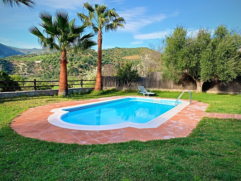 Acogedora casa rural en Zahara de la Sierra, location de vacances à Zahara de la Sierra
