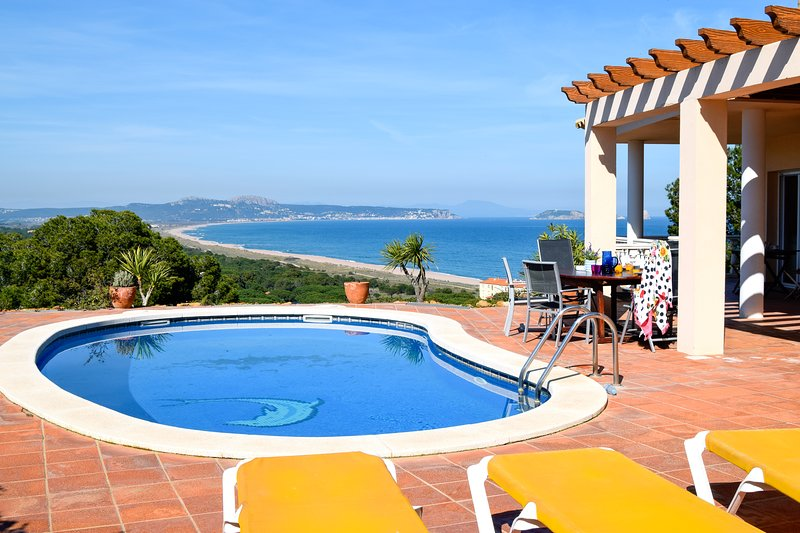 Individual villa with  sea view and pool only 500 m. from the beach. Wifi, holiday rental in Begur