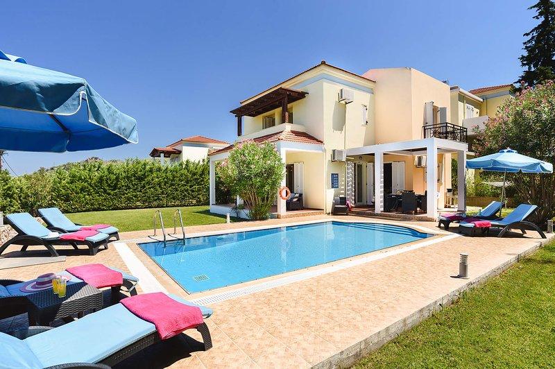 Seven Springs Villa Athena, alquiler de vacaciones en Psinthos