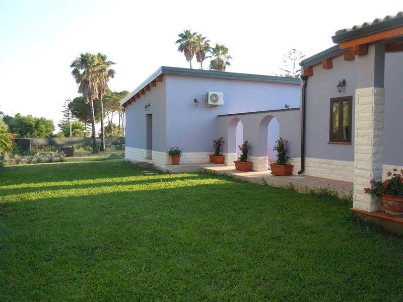 Villa Liano ambiente climatizzato vicino al mare, holiday rental in Maeggio