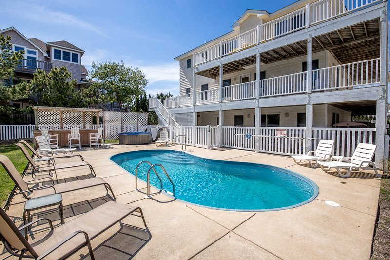 Ivey's Lair | 990 ft from the beach | Dog Friendly, Private Pool, Hot Tub | Duck, holiday rental in Duck