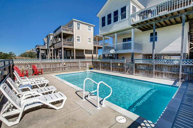 Fay's Sunny Daze | 369 ft from the Beach | Private Pool, Hot Tub | Nags Head, holiday rental in Wanchese