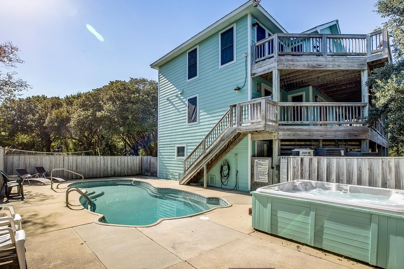 The Fishing Hole | 1250 ft from the beach | Dog Friendly, Private Pool, Hot Tub, holiday rental in Southern Shores