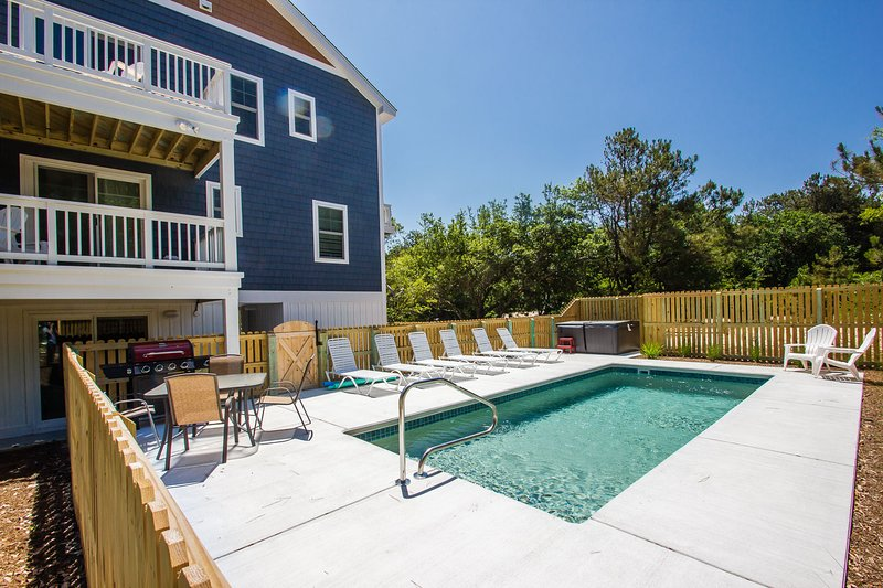 Shark and Awe | 1225 ft from the beach | Private Pool, Hot Tub | Southern Shores, vacation rental in Southern Shores