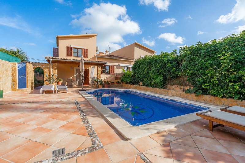 VILLA PORTALS NOUS by Priority Villas, vacation rental in Sol de Mallorca