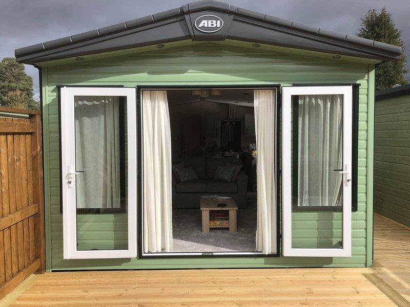 New Luxury Caravan, holiday rental in Blair Atholl