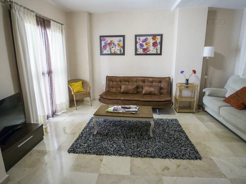 RentalSevilla Great apartment in Barrio Santa Cruz, holiday rental in Lora del Rio