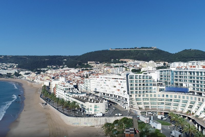 Apartment California II - New!, holiday rental in Setubal District
