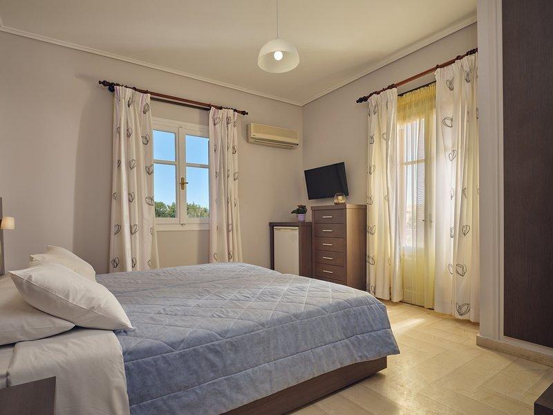 Plaka Beach - Double or Twin Room Side Sea View, holiday rental in Vasilikos