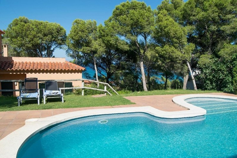 INDIVIDUAL VILLA 500 MTS TO THE BEACH-SEA VIEWS-8 people-wifi-BEGUR-COSTA BRAVA, vakantiewoning in Begur