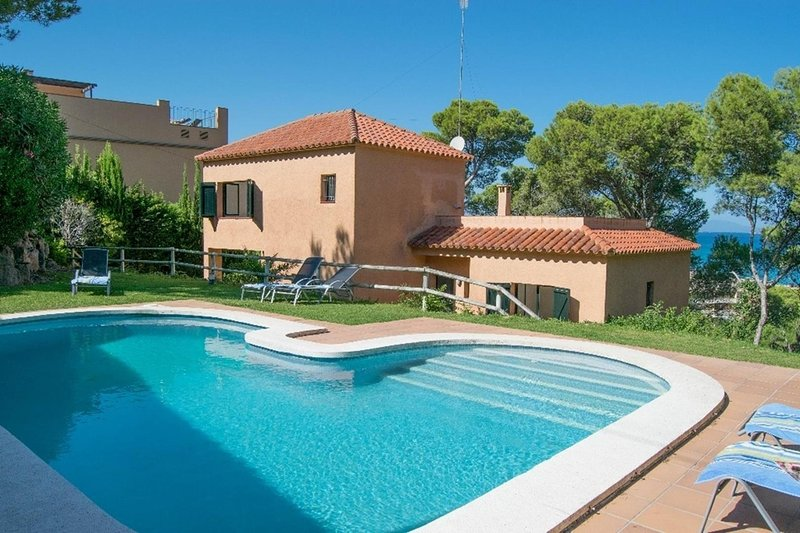 Villa 500 mts from the beach-BEGUR-COSTA BRAVA- Capacity 8 people.Pool.Wifi.SA PUNTA COSTA BRAVA