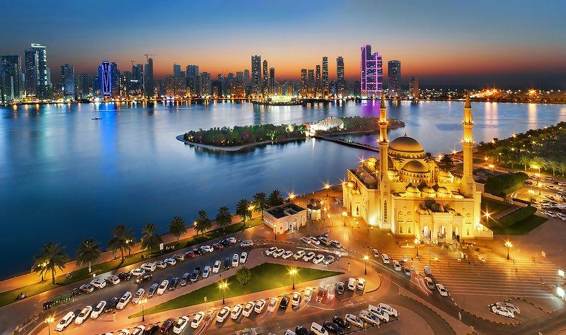 POSH 2 BR + BREAKFAST NEAR SAHARA CENTER IN AL NAHDA, SHARJAH, alquiler de vacaciones en Sharjah