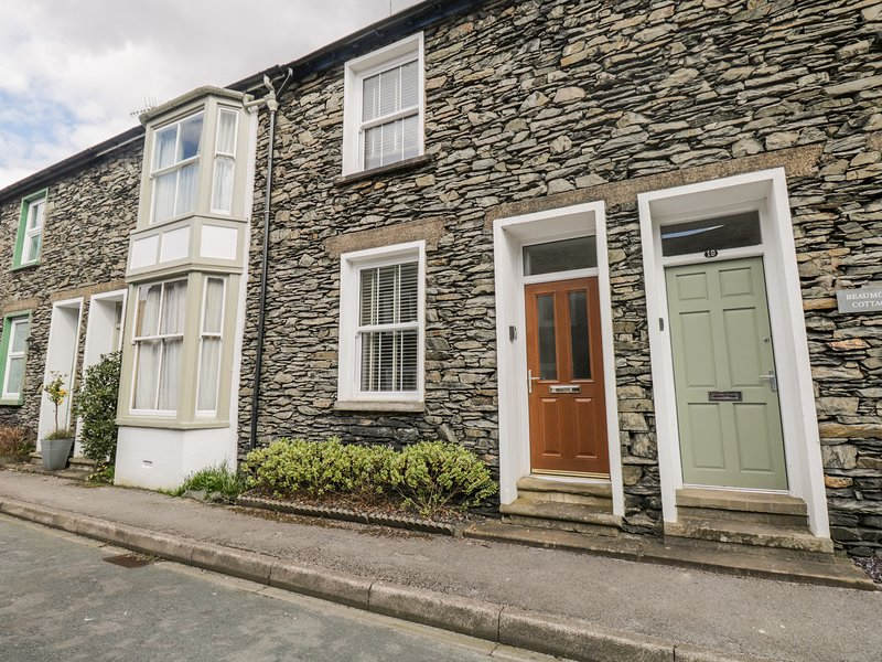 RAGLAN COTTAGE, wi-fi, wood burning stove. Ref: 972661, holiday rental in Bowness-on-Windermere