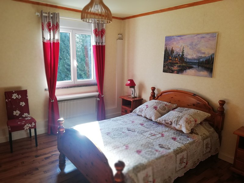 Appartement pour 9 pers pouvant aller jusqu'a 13pers, holiday rental in Cornimont