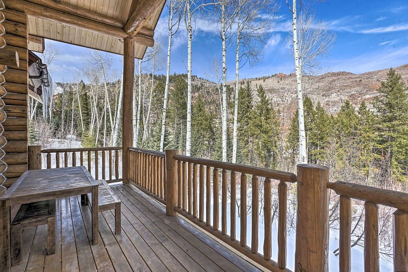 NEW! Woodland Redstone Retreat: Historic Town 1 Mi, vacation rental in Marble