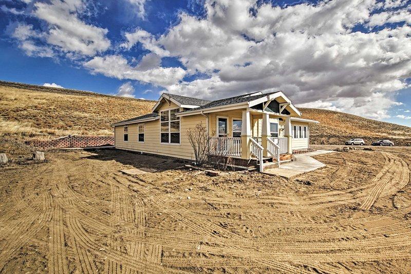 NEW! Private Home Near Laramie; Fish, Hike & Bike!, location de vacances à Centennial