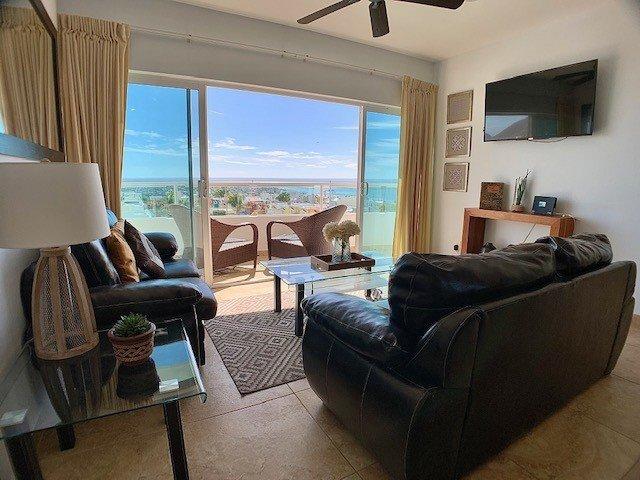 Oceanview + 3rd floor + pool, holiday rental in El Sargento