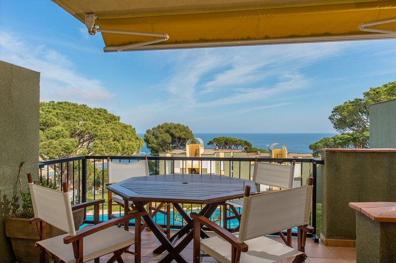 Calella de Palafrugell Apartment Sleeps 5 with Pool - 5835862, vacation rental in Calella de Palafrugell
