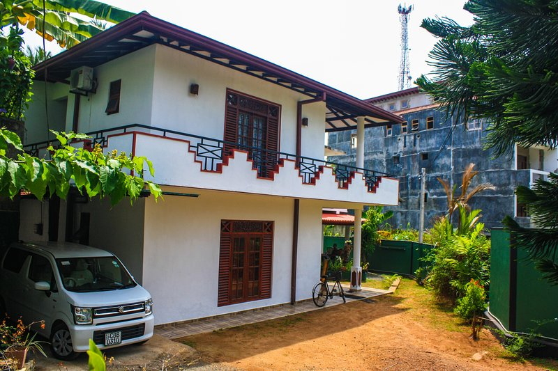 Neverbeen to Duvi Villa, holiday rental in Induruwa
