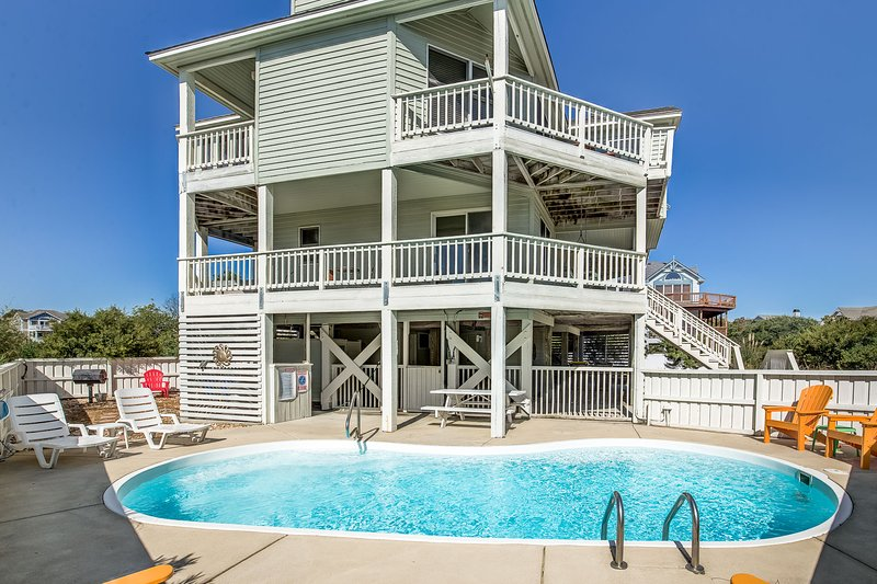 Anchors Away | 650 ft from the beach | Private Pool, Hot Tub | Corolla, casa vacanza a Currituck