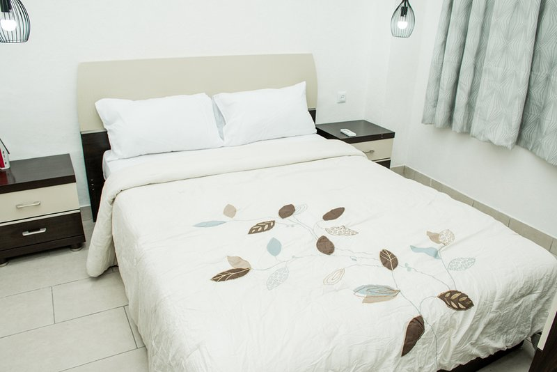 Appartement 2 chambres, holiday rental in Democratic Republic of the Congo