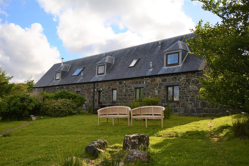 Diubaig House - tranquil, loch view, Isle of Skye, holiday rental in Treaslane