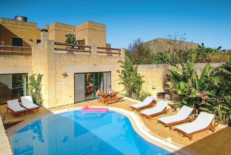 Villa with country views, perfect for exploring, vacation rental in Ghasri