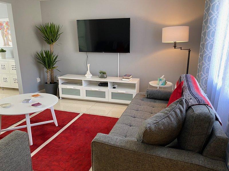 Modern 3/2.5 home + perfect location in Mandarin, aluguéis de temporada em Orange Park