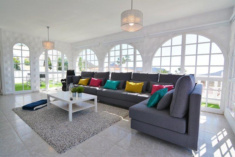 Apartamento en Villa Privada, con vistas al mar., holiday rental in Chayofa